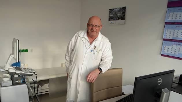 Primář onkologie Jiří Šupík působí ve Sdruženém zdravotnickém zařízení Krnov působí téměř čtyřicet let. Foto: Jiří Krušina