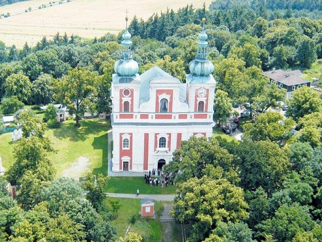 Kostel Panny Marie Sedmibolestné a Povýšení Svatého kříže na Cvilíně.