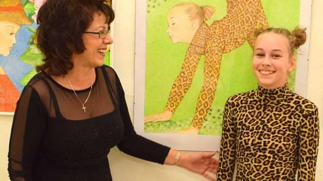 Pro jeden z obrazů se Růženě Urbanové stala inspirací i mladá tanečnice z Bruntálu Kristýna Žandová.