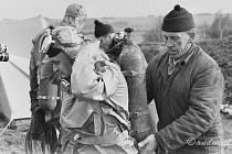 Projekt Permon byl první experiment v Československu a třetí na světě , který zkoumal dlouhodobý pobyt člověka pod vodou. Akvanauti Vilém Kocián a Vladimír Geist v listopadu 1967 strávili sto hodin v hloubce 25 metrů. Snímky: Archiv Romana Kudely