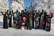 Po čertech dobrý lyžařský výcvikový kurz u sedmáků.