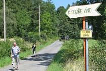 Obora Víno se rozkládá na obrovské ploše mezi Piskořovem, Vínem, Novým Lesem a Bučávkou, slouží k chovu divočáků a daňků a je pro veřejnost je celoročně uzavřena.