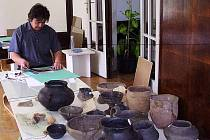 Archeologické vykopávky z lokalit na Krnovsku představilo veřejnosti krnovské muzeum.