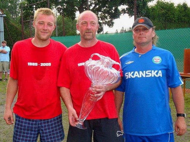 Výherci letošního nohejbalového turnaje jsou Přemek a Jan Pícovi.