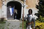 Společenství severských pánů vyrobilio několik vynálezů podle plánů Leonarda da Vinci. Návštěvníkům zámku v Hošťálkovech v sobotu 18. května vysvětlili, jak fungují.