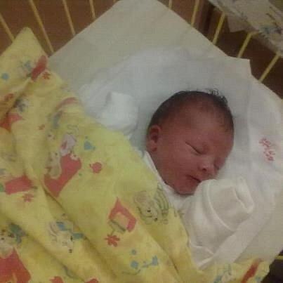 Jmenuji se ALEŠEK VICHLENDA  a narodil jsem se 19. října 2012, měřil jsem 56 centimetrů a vážil jsem 4265 gramů. Moje maminka se jmenuje Lucie Vichlendová a tatínek se jmenuje Aleš Vichlenda. Bydlíme v Liptaňi.