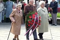 Výročí osvobození Krnova od nacismu si město připomene u památníku ve Smetanových sadech, teda na stejném místě jako v loňském roce.