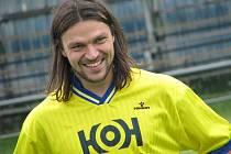 Ve dvaatřiceti letech pozvedl důrazný obránce nad hlavu pohár z premiérového ročníku Evropské ligy.