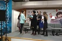 Bruntálští žáci na Knižním festivalu Ostrava. Natálie Bartošíková si zde převzala cenu v soutěži Nakresli si svůj komiks.