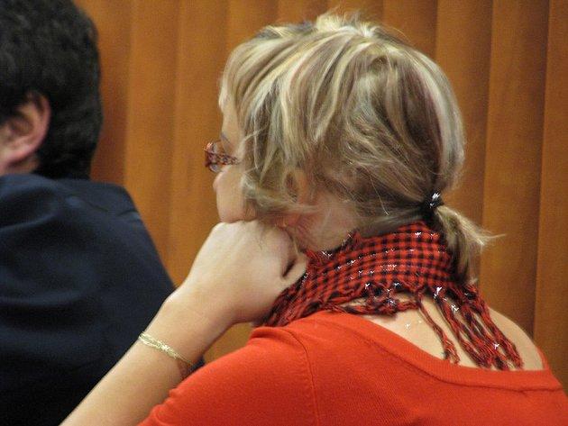 OBHÁJCE OBŽALOVANÉ ženy navrhoval zprostit Lucii M. žaloby v plném rozsahu, státní zástupkyně si přála podmíněný trest na samé dolní hranici zákonné sazby.