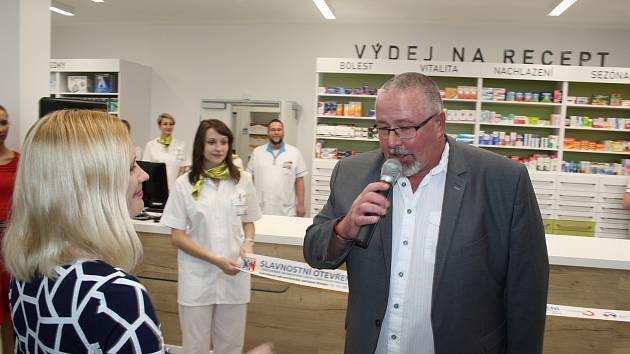 Podle náměstka hejtmana pro zdravotnictví  Martina Gebauera by ředitel krnovské nemocnice mohl zažádat o licenci na distribuci léčebného konopí.