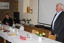 Miroslav Lehký byl v letech 2008 až 2010 náměstkem Ústavu pro studium totalitních režimů.