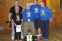 Na mistrovství ČR vybojovali krnovští siláci Greguš, Kenis, Krayzel a Stuchlík za doprovodu Vlacha zlaté kovy.