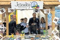 Společná propagace ve stánku Jeseníky se loni městům okresu Bruntál osvědčila, proto v ní budou pokračovat i letos.