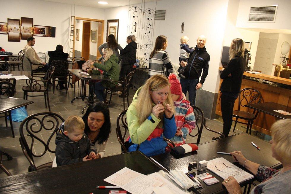 V Krnově proběhl celodenní nábor nových dárců kostní dřeně. Do registru dárců díky tomu přibylo 107 nových členů.