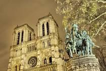 Chrám Matky Boží v Paříži je názvem knihy Victora Huga, ale také druhým označením pařížské katedrály Notre Dame.