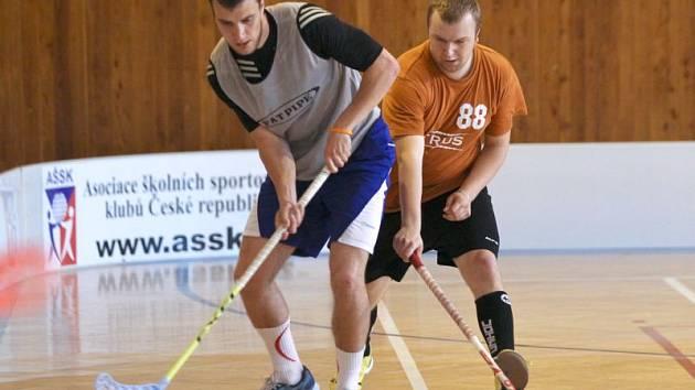Finálový zápas Orca Spring Cupu - Citurs Team (v červeném) vs. Rotující Kedluben.