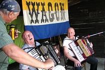 Harmoniky a Úvalno neodmyslitelně patří k sobě. Na tradiční setkání se sjíždějí harmonikáři a jejich fanoušci z celé republiky.