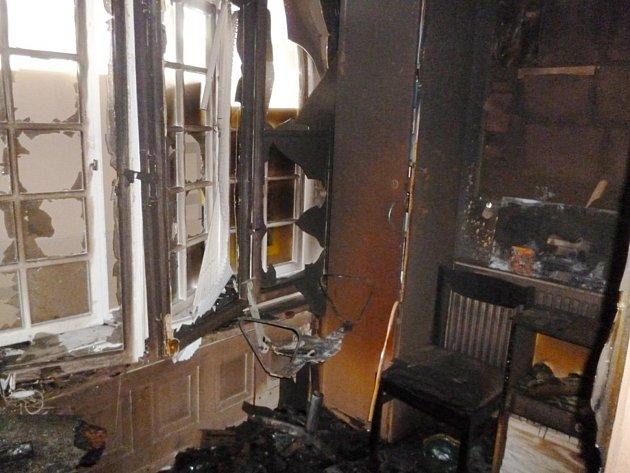 Noční požár zničil recepci vpřízemí Střeleckého domu, který patří knejvýznamnějším stavbám Krnova.