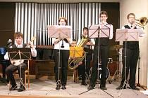 Dixieland Jazzsle za svůj úspěch v Litvínově vděčí hlavně pravidelným zkouškám a touze se zdokonalovat. Tito jazzmani a jazzmanky se do své hudební říše ponořili se vším všudy.