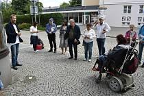 Kámen zmizelých zasazený do dlažby na krnovském náměstí, nese jméno Adolfa Schulhabera. Tento krnovský obchodník s textilem postavil honosný dům, ve kterém dnes sídlí obchod s textilem a řecká restaurace Hermes.