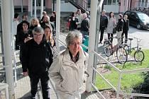 Program mezinárodního workshopu partnerských měst začal exkurzí do krnovského domova seniorů na Rooseweltově ulici.