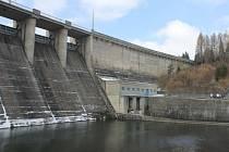 U příležitosti Světového dne vody se zájemci mohli opět podívat do jindy nepřístupných míst přehrad v Moravskoslezském kraji, které obhospodařuje státní podnik Povodí Odry. Den otevřených dveří přilákal diváky i na Kružberk.