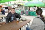 Páteční dopoledne patřilo na náměstí Míru a v jeho blízkém okolí přípravám na Dny města Bruntálu, které trvají až do neděle 22. června.