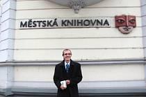 Krnovská knihovna pod vedením ředitele Petra Cestra se stala jednou z nejmodernějších v kraji a nabízí řadu nových služeb.