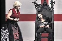 S jednou z nejostřejších Shakespearových her, dramatem Richard III., se v Bruntále představí Klicperovo divadlo Hradec Králové.
