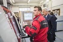 Nová CNC DÍLNA se ve středu 24. dubna poprvé oficiálně představila veřejnosti.