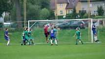 Krnovští fotbalisté v 8. kole krajského přeboru vyhráli osmý zápas v řadě. Naposledy si odvezli tři body z Háje ve Slezsku 3:4.
