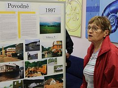 Živě vzpomínali vrbenští obyvatelé na povodně z roku 1997 při tématické výstavě, jenž připravil do Střediska chytrých aktivit tamní Střelecký klub.