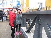 Krnované se potkali a společně pobavili na historickém mostě a v jeho okolí. Stejně jako v dalších městech se také v Krnově v sobotu 16. září konala akce Zažít město jinak.