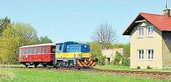 Mašinka T211 bude o letních víkendech a svátcích vozit turisty na trati z Bruntálu do Malé Morávky.