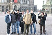 Studenti krnovské střední umělecké školy varhanářské si z Drážďan odvezli vzpomínky na krásné město, dobré lidi a vynikající varhany. Jejich hostitelem byla německá varhanářská firma Jemlich Orgelbau Dresden.