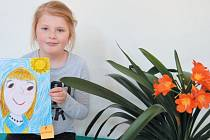 Adélka Hečková vyhrála výtvarnou soutěž Moje maminka, kterou pro děti prvního stupně zorganizovali žáci členové školního parlamentu Základní školy Zátor.