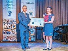 Partnerství Krnova a Prudniku trvá už 15 let. Starostka Krnova Jana Koukolová Petrová a starosta Prudniku Franciszk Fejdych podepsali deklaraci, že chtějí ve spolupráci pokračovat.