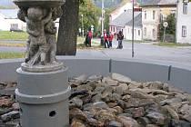 Kašnu opravila bruntálská firma Aquastop, a tyto práce věnovala Vrbnu pod Pradědem u příležitosti letošního čtyřsetletého výročí založení města.