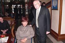 Před odletem Hele popřál také prezident Václav Klaus.