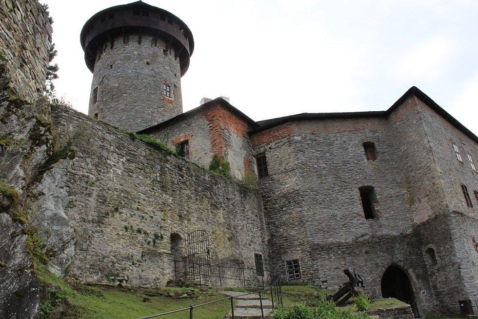 Hrad Sovinec v Jiříkově.