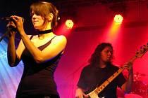 Skupina Alchemy vznikla v roce 2003 a jejich tvorba se žánrově ubírá instrumentálním směrem art či k progresivnímu rocku.