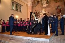 Pěvecký sbor Města Vrbna pod Pradědem (PSMV) vystoupil na benefičním koncertu  vkostele Sv. Archanděla Michaela. Koncert byl oslavou 175. výročí vysvěcení chrámu a současně podpořil pokračování oprav.