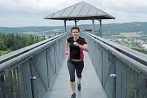 Běh na věže rozhledny na Hraničním vrchu.