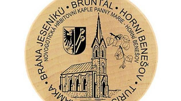 Turistická známka Horního Benešova se moc povedla. Můžete ji získat v rámci letní hry Brány Jeseníků.