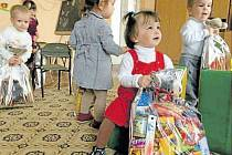 Dětem v ukrajinském sirotčinci udělaly velkou radost mikulášské balíčky z Krnova.