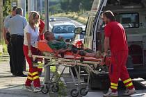 Zásah krnovských strážníků a záchranářů u opilce na Bruntálské ulici.
