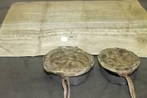 Uničovskou listinu si může každý prohlédnout v městské expozici v budově městské policie na náměstí Míru v Bruntálu. Jde o kopii původní listiny.