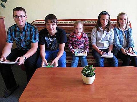 Pět soutěžících, kteří poslali své fotky z prázdnin: Adam Hošek, Matěj Tupý, Karolínka Kotulková, Nikola Frančáková a Eliška Hajná.