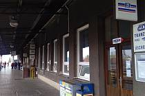Krnovské Hlavní nádraží má půvabnou retro atmosféru. Čeká ho rekonstrukce za deset milionů korun.